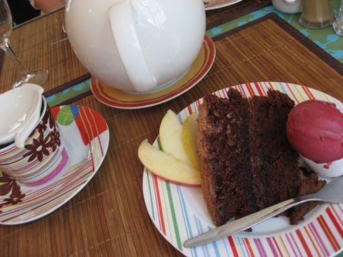 Loisivethe cake