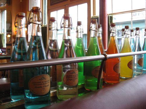 Wil limonade bottles