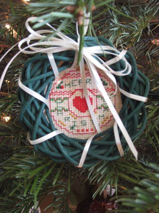 Tree mom ornament