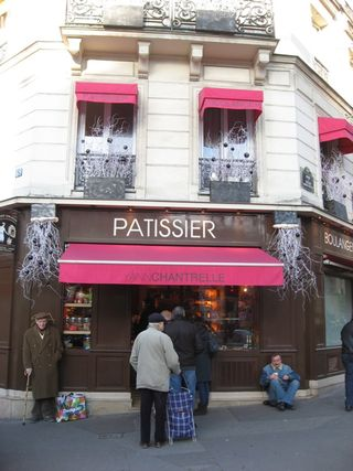Patisserie head on